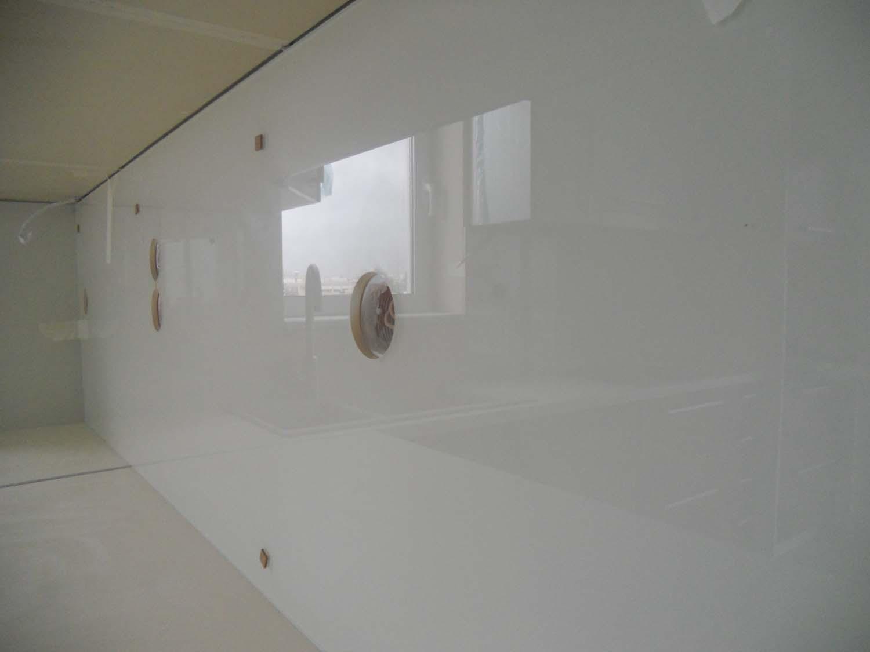 Υαλοπίνακας ασφαλείας σε κουζίνα