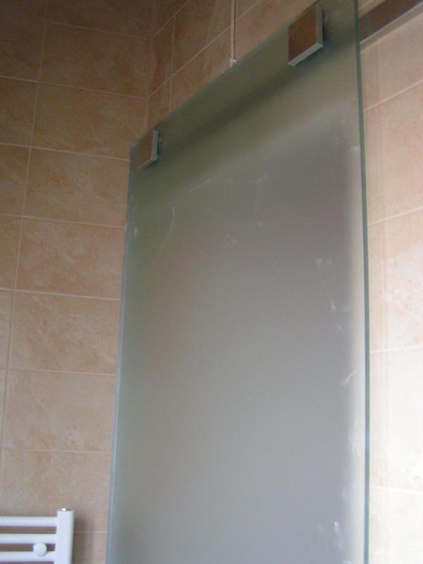Συρόμενη γυάλινη πόρτα με γυαλί ασφαλείας